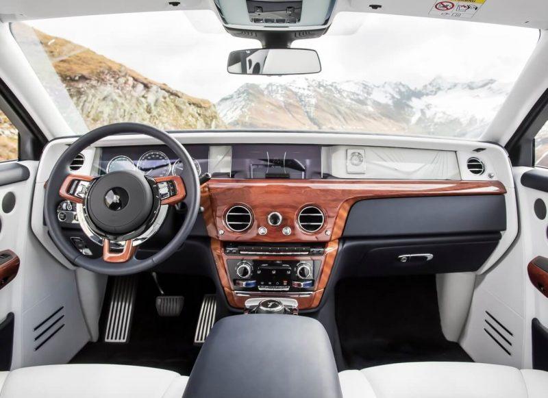 Interior of Rolls-Royce Phantom VIII