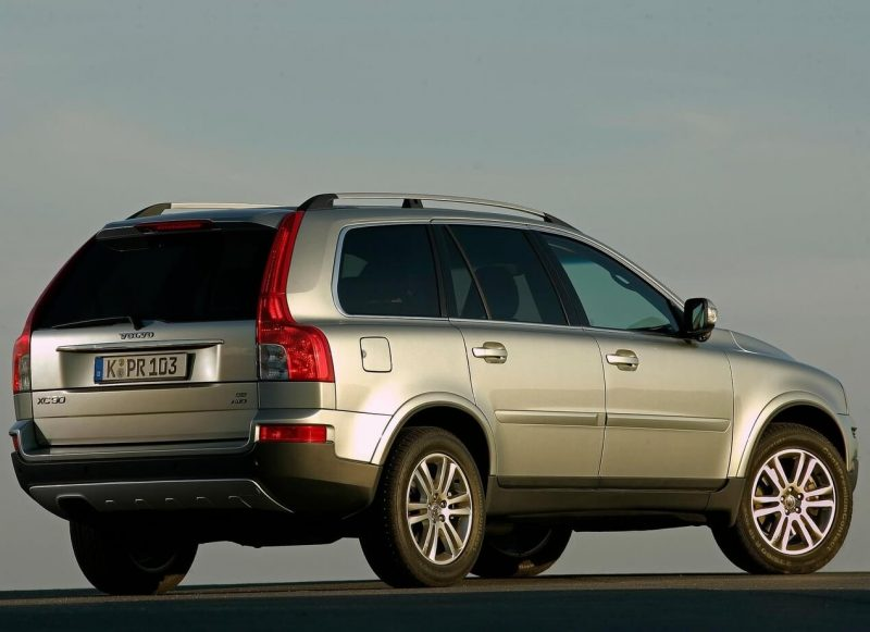 Rear view of Volvo XC90 2006