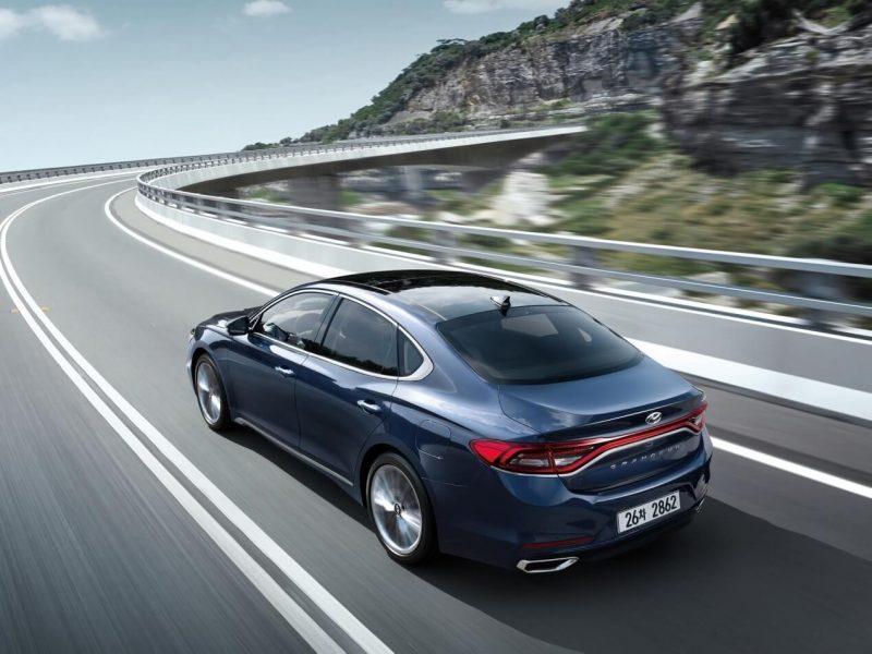 Hyundai Grandeur (IG) rear view