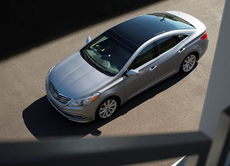 Top view Hyundai Grandeur HG
