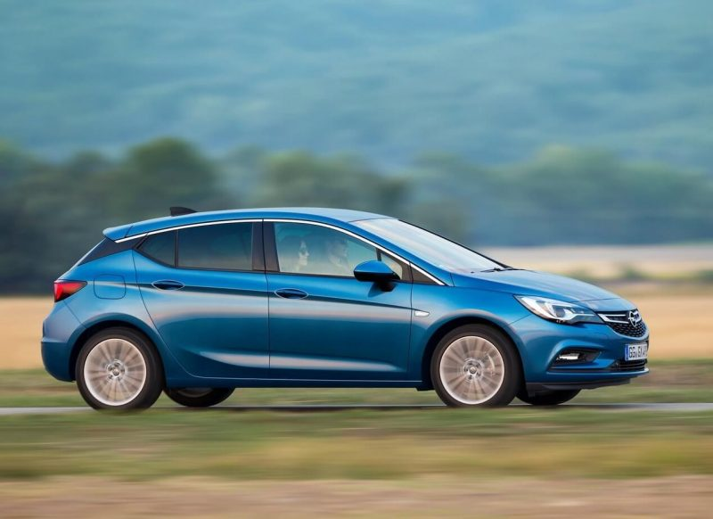 Opel Astra K side view