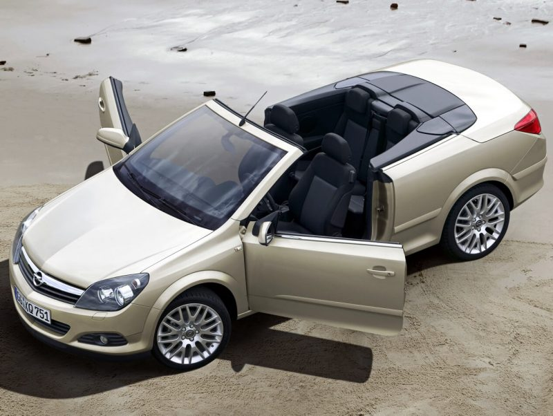 Photo of Opel Astra TwinTop