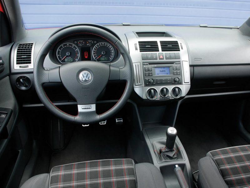 Photo of the Volkswagen Polo IV salon