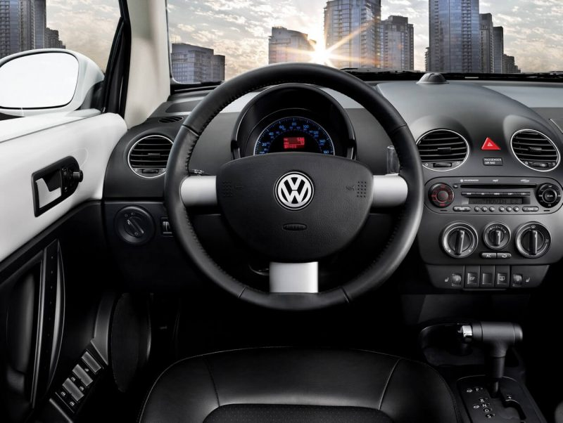 Photo of the Volkswagen New Beetle salon