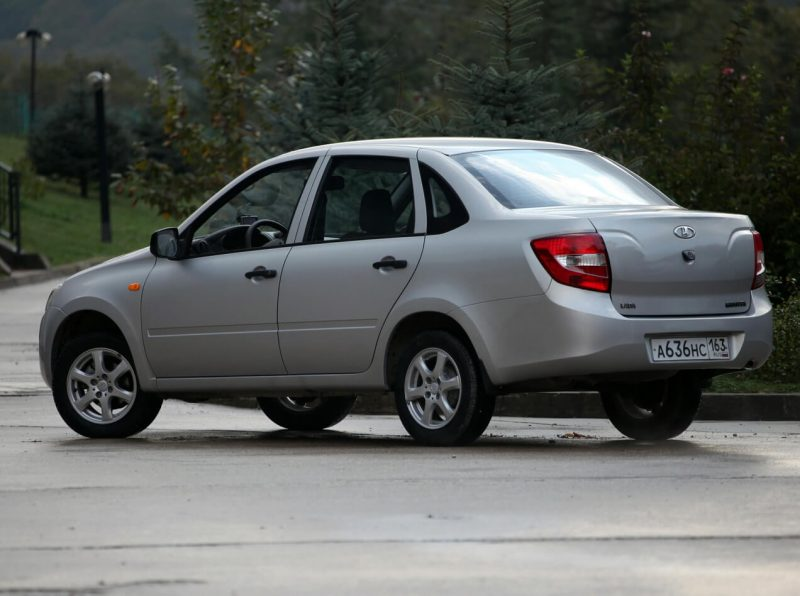 Lada Granta photo car