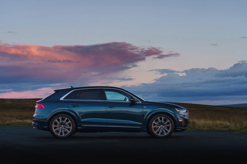Side View Audi Q8