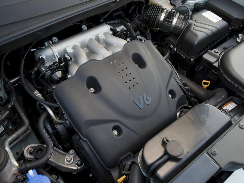 First generation Hyundai Tucson engine