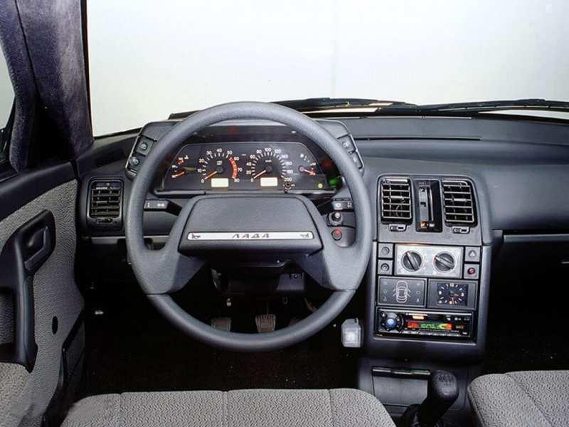 Interior Lada 112