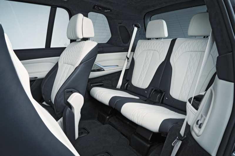 Third row BMW X7