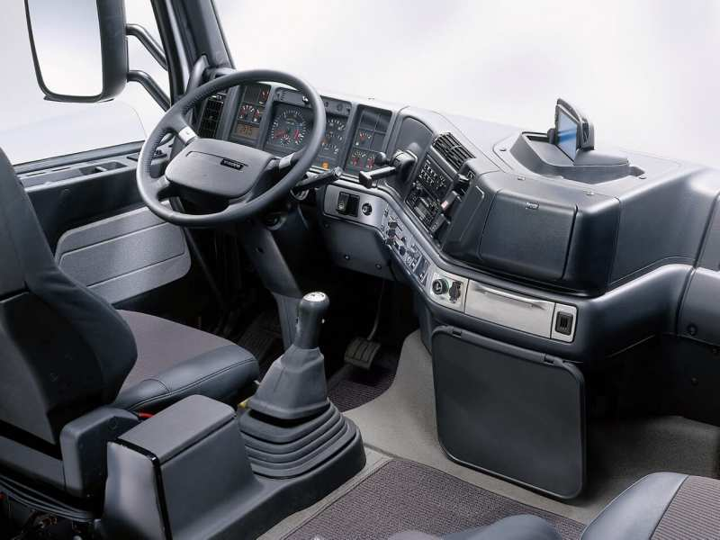 Interior of Volvo FH12 Globetrotter XL Silver