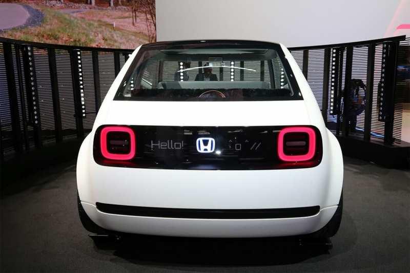 Honda Urban EV rear view