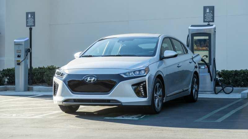 Charging Hyundai Ioniq EV