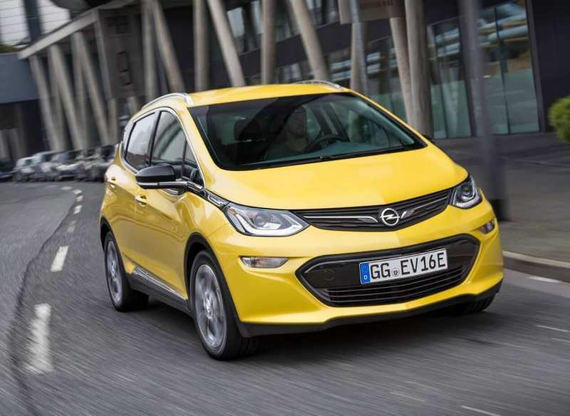 Opel Ampera-e front view