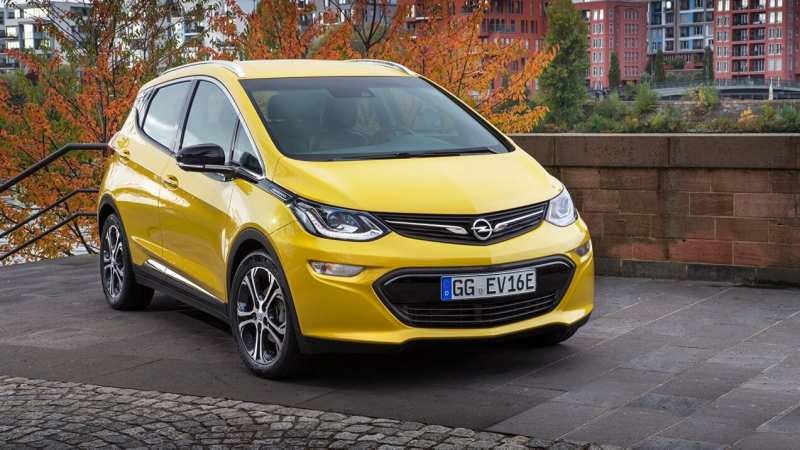 Front view of Opel Ampera-e