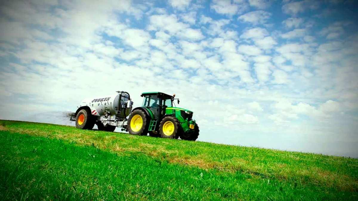 Wheeled tractor John Deere 6110B buy