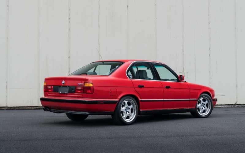 Auto BMW M5