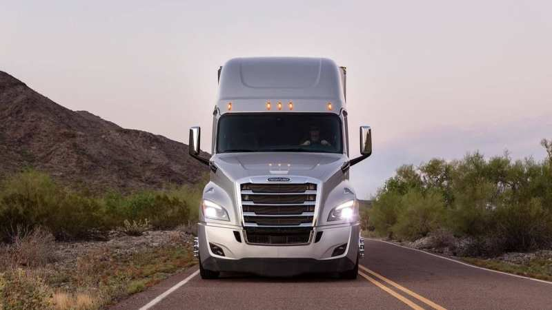 Front view of Freightliner Cascadia