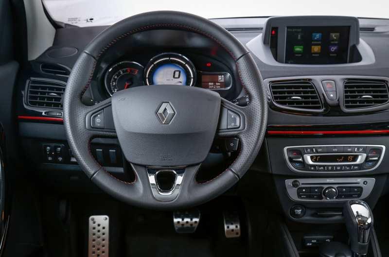 Fluence GT steering wheel