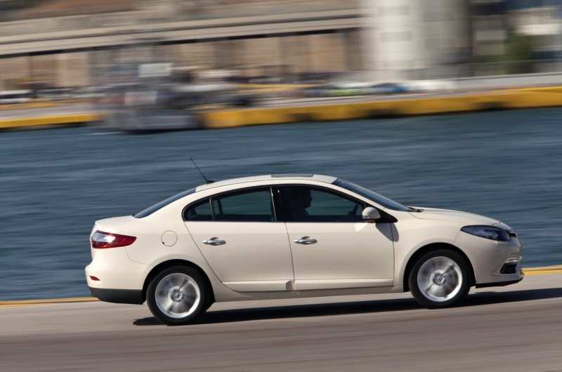 Side view of Renault Fluence