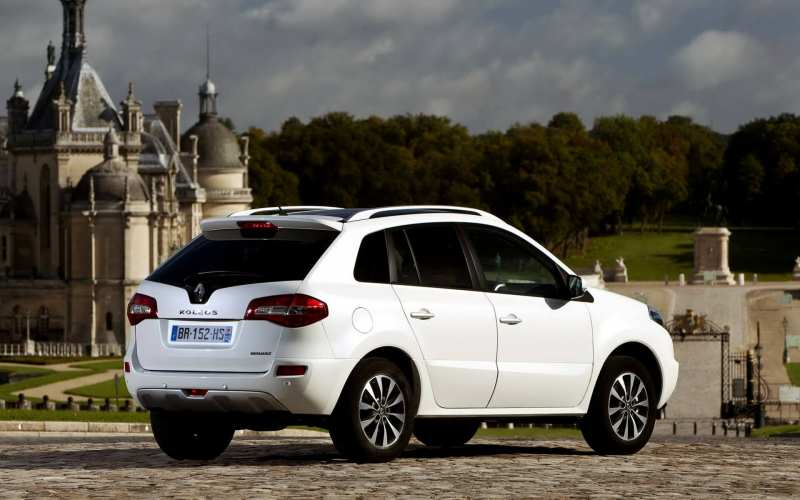 Rear view of Koleos