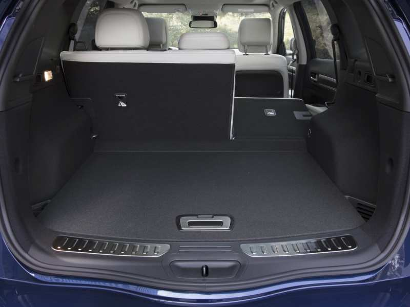 The trunk of the Renault Koleos II