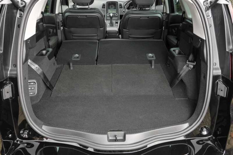 The trunk of Renault Scenic IV