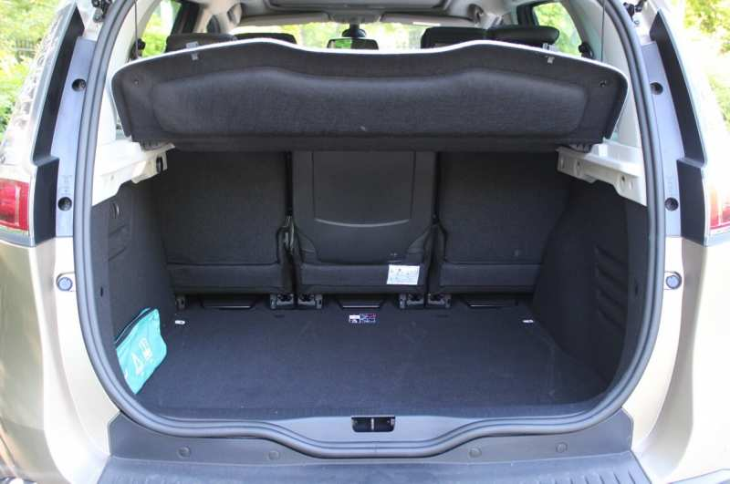 The trunk of the Renault Scenic III
