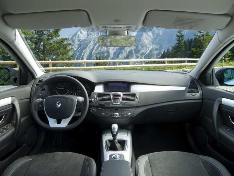 Interior of Renault Laguna 3