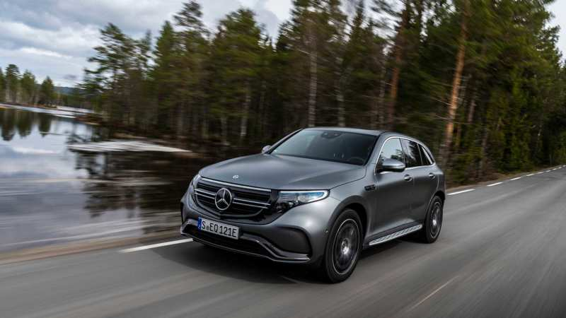 The first live photos of the serial electric Mercedes Benz EQC