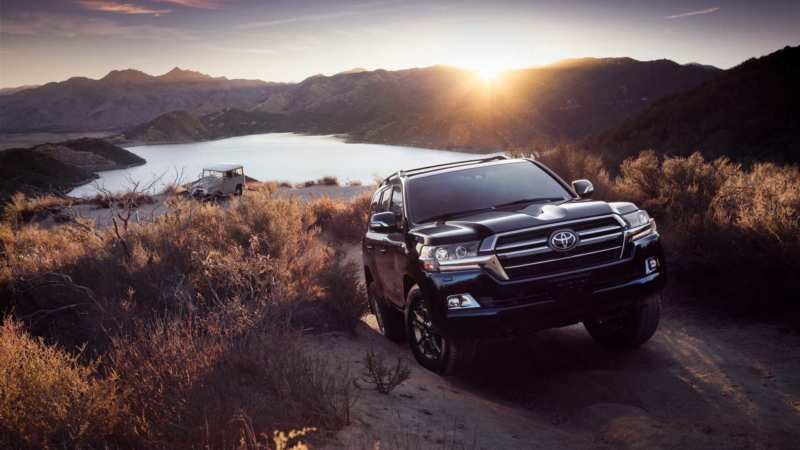 "Toyota prepares a ""jubilee"" set of Land Cruiser 200"