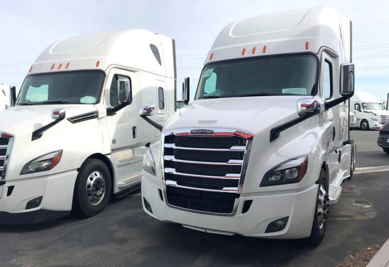 Freightliner Cascadia presents a new step towards a stand-alone truck