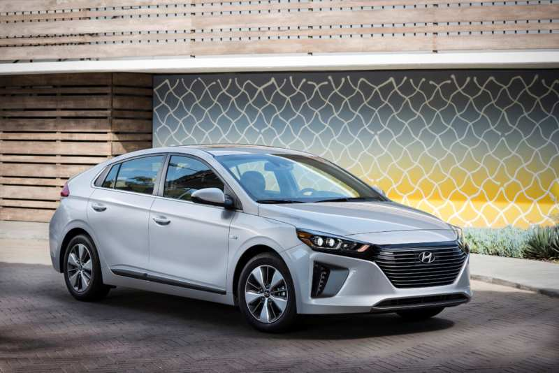 Hyundai intends to beat the Toyota Prius