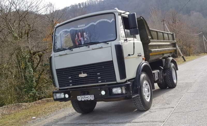 MAZ-5551