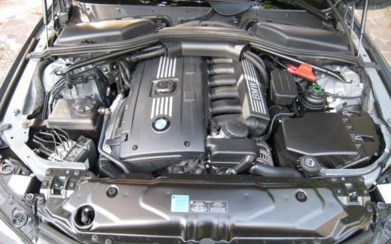 Jaguar F-Pace engine