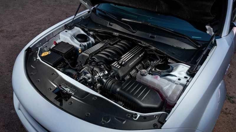 Dodge Charger SRT Hellcat engine
