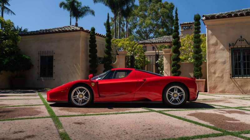 Ferrari Enzo side view