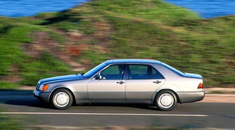 Mercedes-Benz W140 side view
