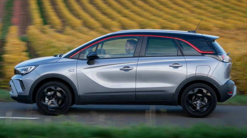 Opel Crossland X side view
