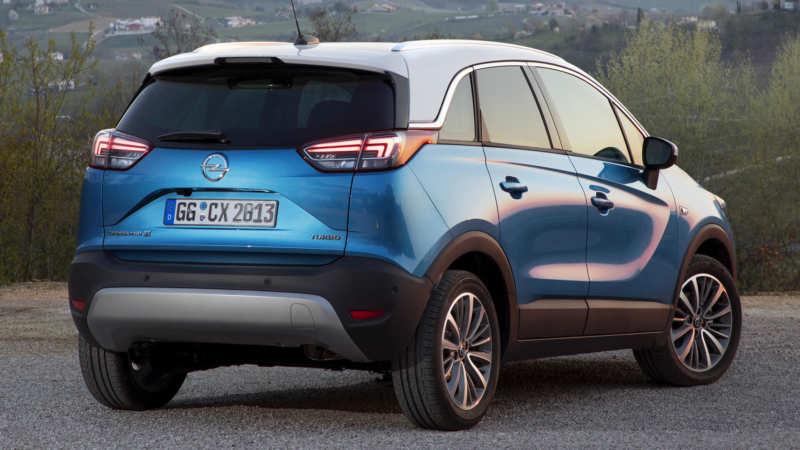 Opel Crossland X rear view