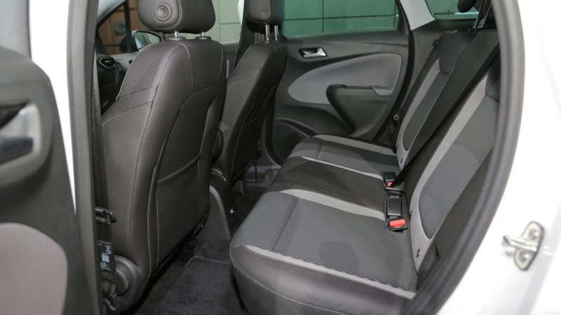 Opel Crossland X rear sofa