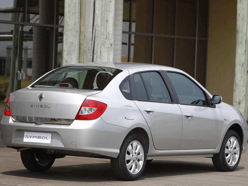Rear view of Renault Symbol II