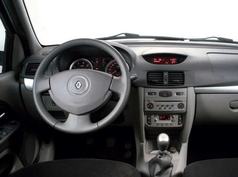Renault Symbol 2 interior photos