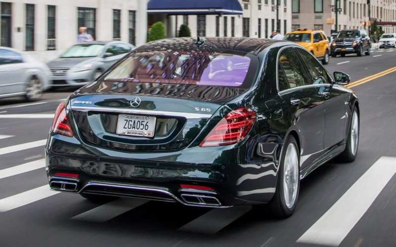 Rear view of the Mercedes-Benz S-Class