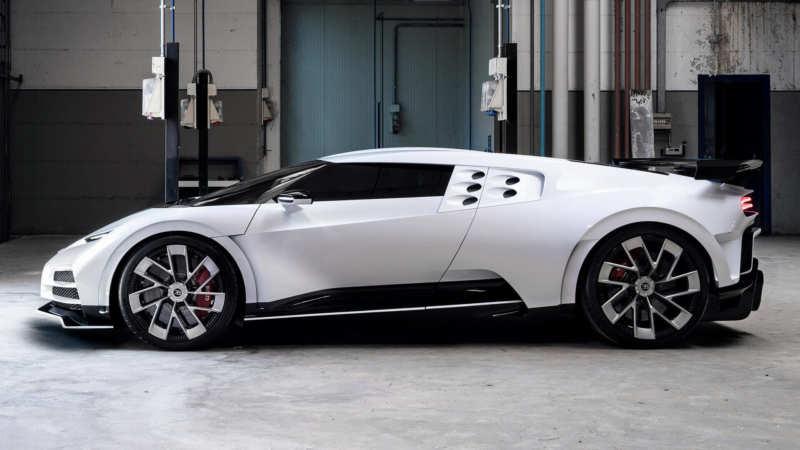 Bugatti Centodieci side view