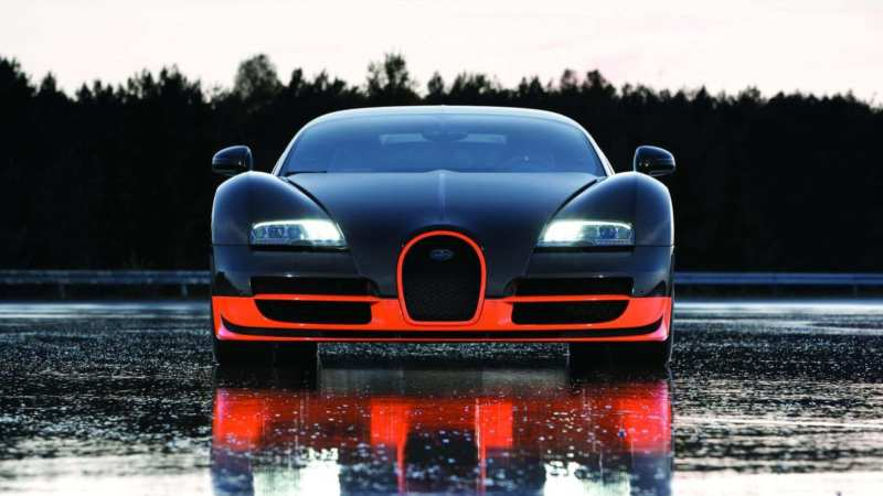 Bugatti Veyron Super Sport front view