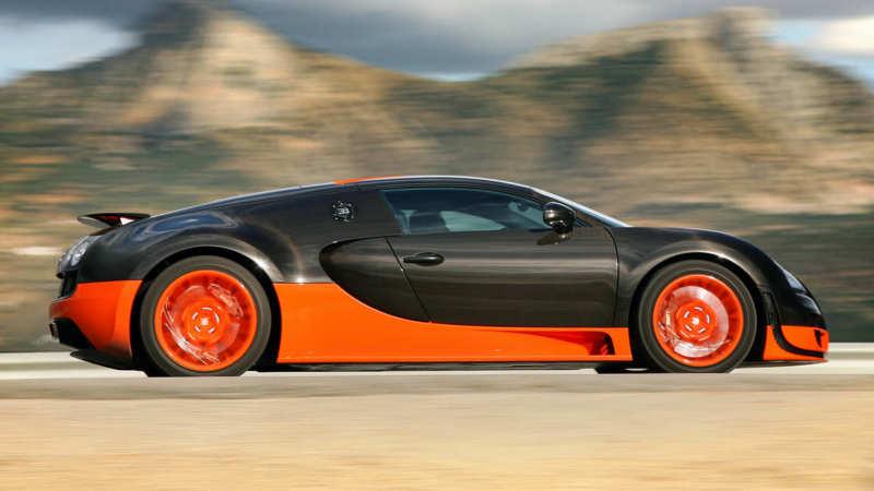 Bugatti Veyron Super Sport side view