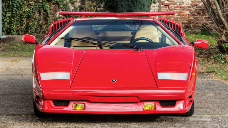 Front view Lamborghini Countach