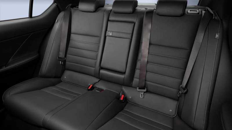 Lexus IS interior photo