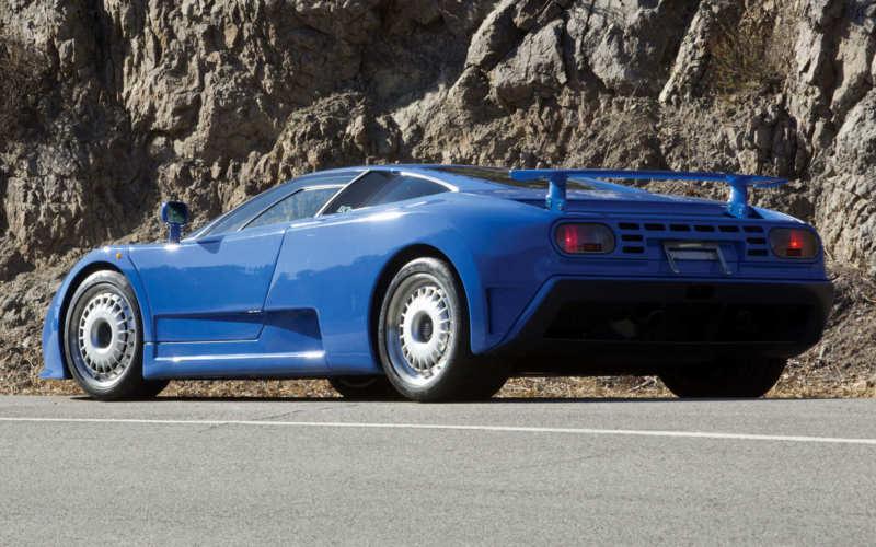 Supercar Bugatti EB110