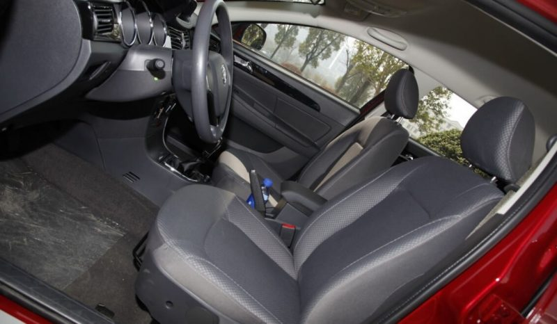 Dongfeng S30 cabin